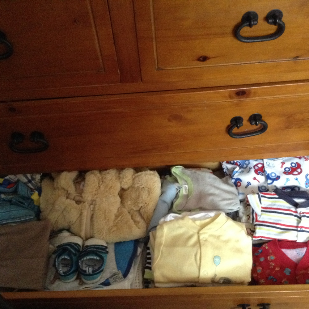 Thrifty second pregnancy shopping (3/4)