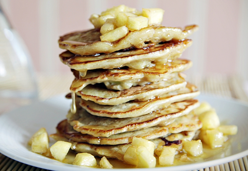 038-apple-pancakes-2-resize-2